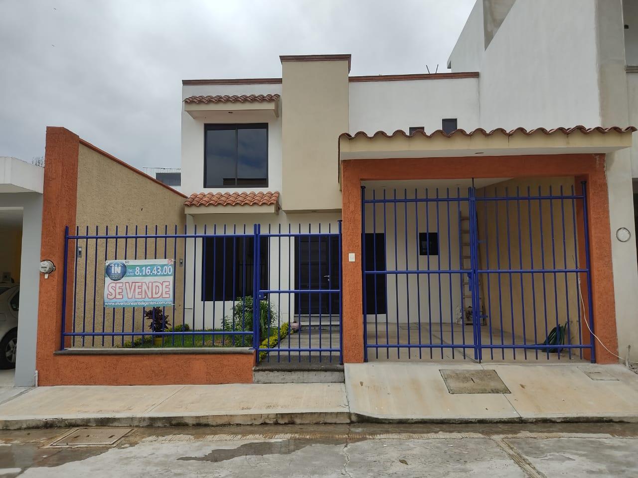CASA EN VENTA EN COATEPEC, FRACC. PRIVADO CON SALIDA A XALAPA (COCA COLA) 3 REC Y JARDIN