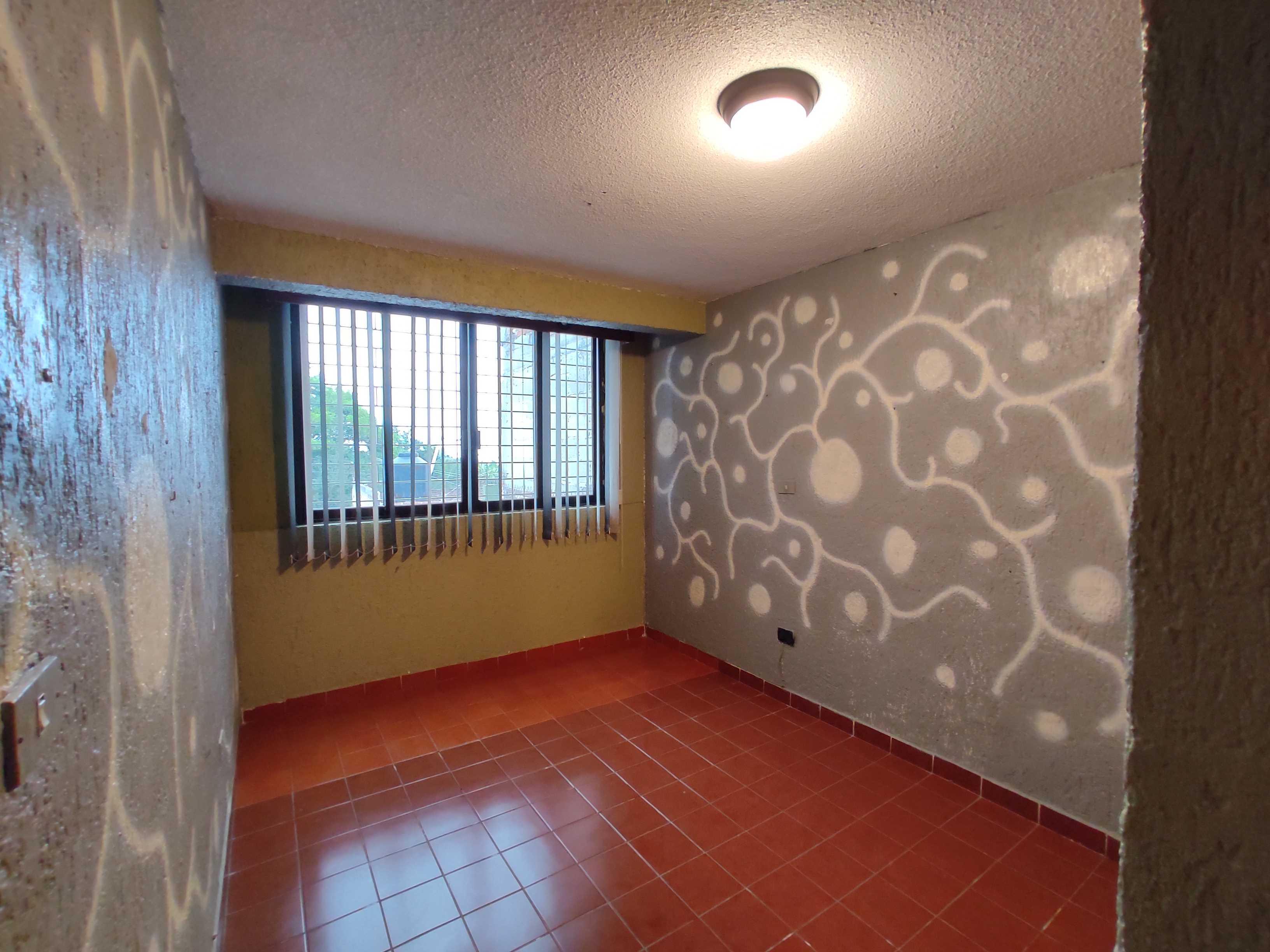 Casa Venta Xalapa 3 recamaras, cochera con portón eléctrico a 500m de Plaza Crystal