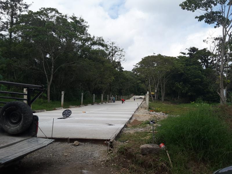 TERRENOS EN VENTA EN COATEPEC FRACC LA CRUZ II CERCA BODEGA AURRERA  110m2 a $2,750 m2